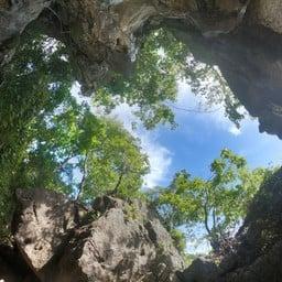 ปราสาทหินพันยอด เกาะเขาใหญ่