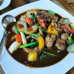 เนื้อวากิวผัดพริกไทยดำ