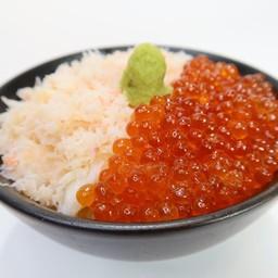 ข้าวหน้าปูหิมะญี่ปุ่นกับไข่ปลาแซลมอน
