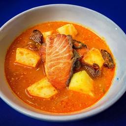 แกงเหลืองใต้ปลาแซลมอน