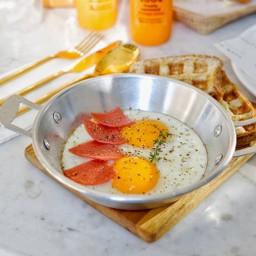 ไข่กะทะ + แซนวิชโบราณวาฟเฟิ้ล