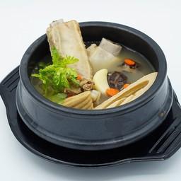 แบดเตอรี่ (ซุปกระดูกหมู) Pork Rib Soup
