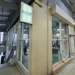 หน้าร้าน Lido ชั้น 2 ติดบันได