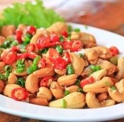 เม็ดมะม่วงหิมพานต์ทอด  Fried Cashew Nuts