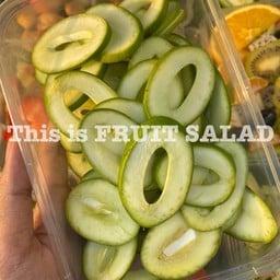 This is fruit salad (เจ๊แป๋ว) เจ้าแรกในอยุธยา