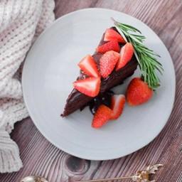 ชอคโกแลตมัดเค้ก สตรอเบอรี่ Strawberry Chocolate Mud Cake