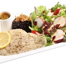สเต็กอกไก่ อ่าวไทย  กับข้าวไรซ์เบอร์รี่