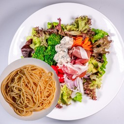 Prosciutto did Parma & Gorgonzola cheese Salad Spaghetti