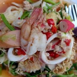 เจ๊ใหม่ ยำเเซ่บ&ผัดไทยห่อไข่สูตรโบราณ (ตลาดลำลูกกาพลาซ่า คลอง4)