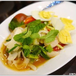 รสชาติไทยๆ แต่ไม่ชอบที่ใส่หอมใหญ่กับมะเขือเทศ