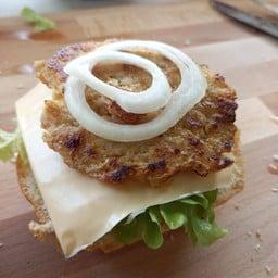 Samu Burger cheese