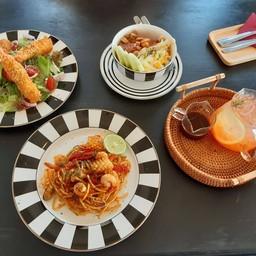 Anna &the Natt Cuisine Cafe