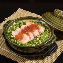 ข้าวอบปลาแซลมอนสไตล์ญี่ปุ่น
