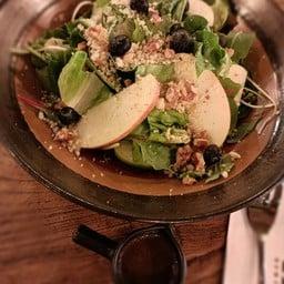 Blueberry Apple Walnut Salad ( V )