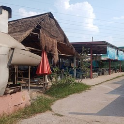 ไก่ย่างวิเชียรบุรี หน้าการไฟฟ้ามุกดาหาร