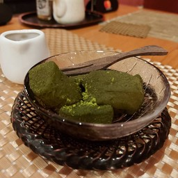 green tea warabi mochi