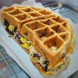 TL Waffle และกัปตันข้าวมันไก่ หลังมอขอนแก่น