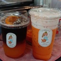 พร้าวปั่นในตำนาน ต้นตำหรับ(เจดีย์สามปลื้ม) by Coco Bar & Coffee cafe' เจดีย์สามปลื้ม