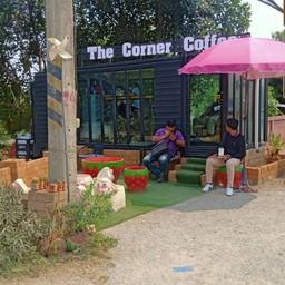 The corner (แม่แตง)