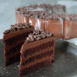 เค้กช็อคโกแลตฟัดจ์หน้านิ่ม เต็มวง