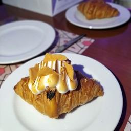Lemon Tart Croissant