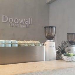 Doowall Hotel & Gallery