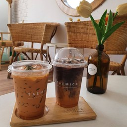 ชาไทย ดาร์กช็อค