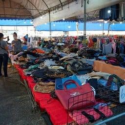 ผ้ามือสอง ตลาดเทิดไท
