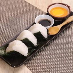 Riceballs with Uni Sauce