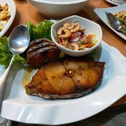 ปลาชิ้นใหญ่สด ราคา 250 บาท