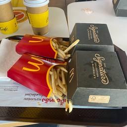 McDonald's นครชัยศรี (ไดร์ฟทรู)