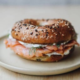Smoked salmon Bagel delivery