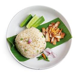 ข้าวผัดน้ำปลาพริกหมูทอด&ไข่ออนเซ็น