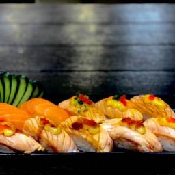 Salmon set 10 คำ (ร้านฮาชิ-โกซูชิ)