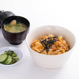 Oyako Don  (with Miso soup) ข้าวหน้าไก่และไข่ (พร้อมซุปมิโซะ)