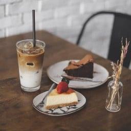 Aperture Cafe' & Studio โครงการ Vida Ville ประชาอุทิศ 86
