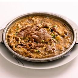 Gyuniku-Yanagawa Nabe เนื้อวันตุ๋นไข่หม้อร้อน