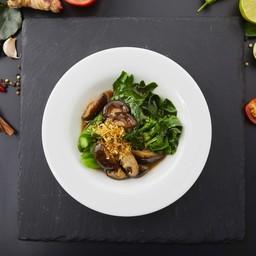 ผักคะน้าฮ่องกงเห็ดหอมน้ำเเดง เสิร์ฟพร้อมข้าวสวย