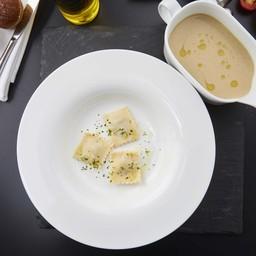 ซุปข้นเห็ดราวิโอลีและน้ำมันทรัฟเฟิล