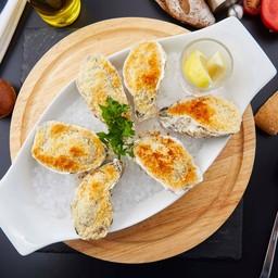 หอยนางรมอบชีสและผักโขม 6 ตัว