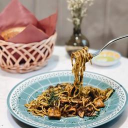 Tagliolini with squid ragout