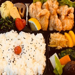Karage bento(唐揚げ弁当)