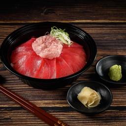 ข้าวหน้าปลามากุโระและเนกิโทโร่