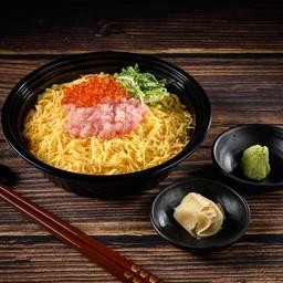 ข้าวหน้าเนกิโทโร่และไข่ปลาแซลมอน