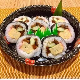 Futo Maki ข้าวห่อสาหร่ายไส้รวม