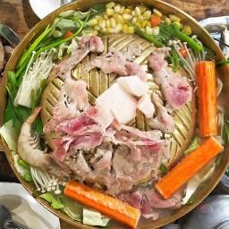 หมูกระทะลุงแซมอิ่มอร่อย-สาขาตลาด ร.8