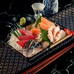 19 Sashimi Mori