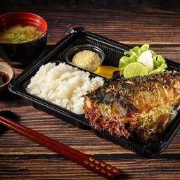 ชุดข้าวปลาซาบะย่างเกลือ