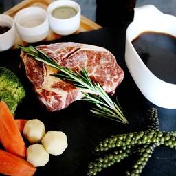 สเต็กเนื้อริบอายซอสพริกไทย
