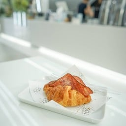 1:2 X SOL croissant town in town